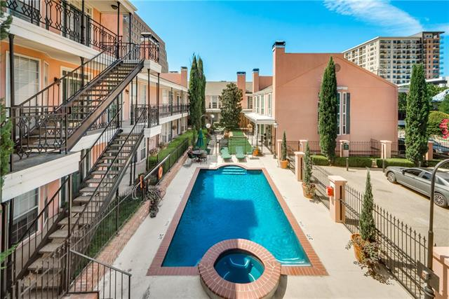 Dallas Uptown Homes for Sale -  Single Story,  3208 Cole Avenue