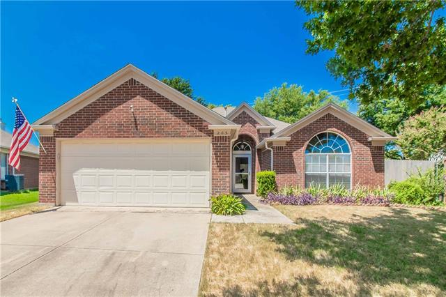 203 Valley Court, Euless in Tarrant County, TX 76039 Home for Sale