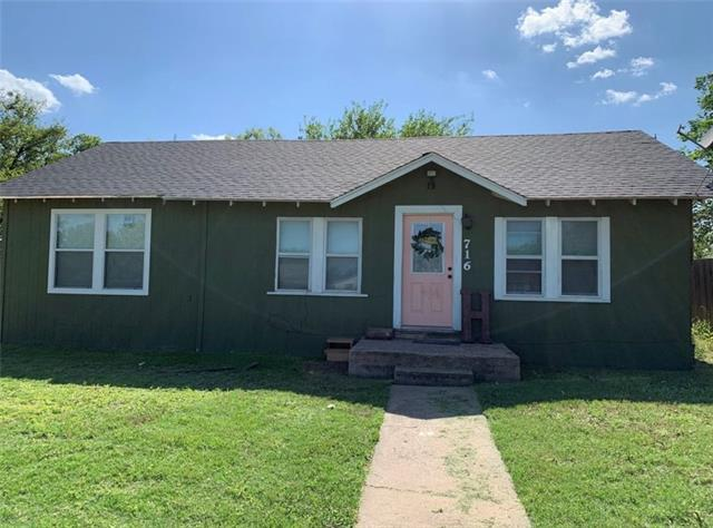 716 Gordon Avenue, Albany, TX 76430