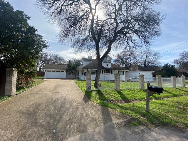 9402 Vinewood Drive, Dallas Northeast, Texas