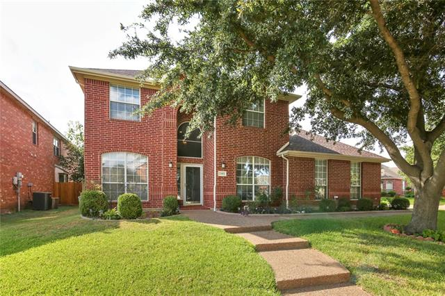 3303 Rolling Hills Lane, Grand Prairie in Tarrant County, TX 75052 Home for Sale