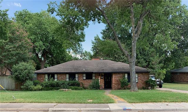 540 Rockcreek Drive, De Soto, Texas