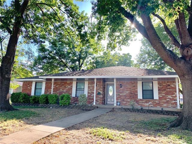 436 Brook Hollow Circle, De Soto, Texas
