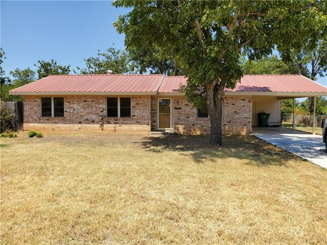 1002 W Hall Street, Bangs, TX 76823