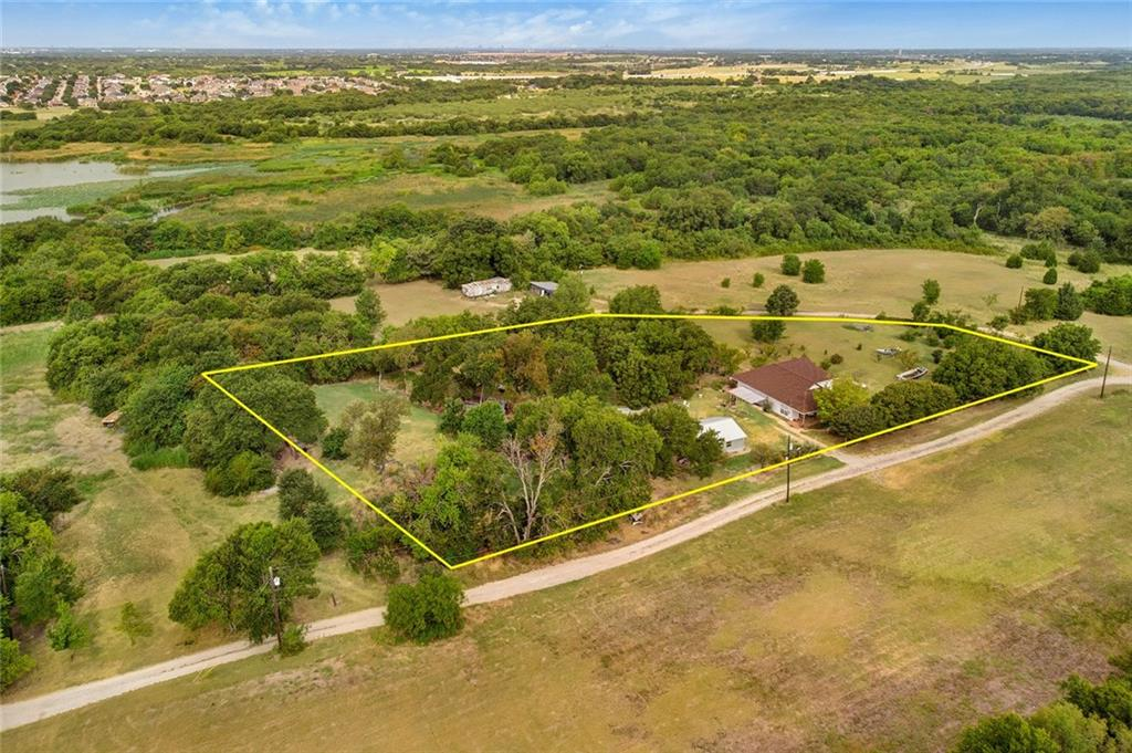 6825 Chiesa Road, one of homes for sale in Rowlett