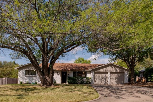 900 Royce Drive, Euless in Tarrant County, TX 76040 Home for Sale