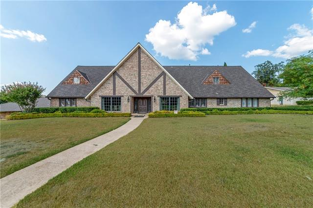 6829 Midcrest Drive, Addison, Texas
