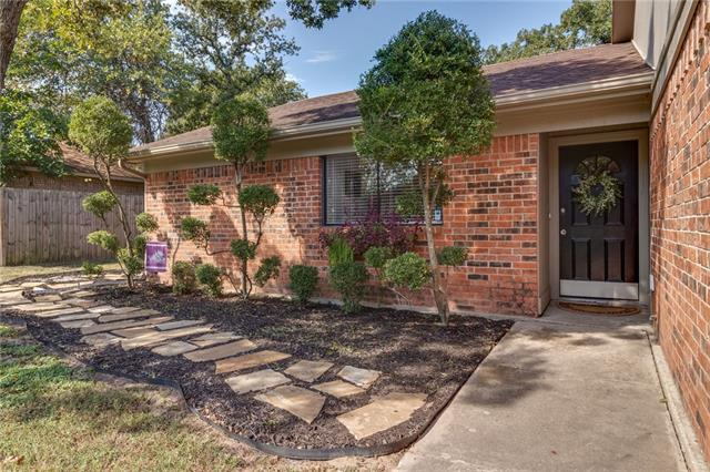 837 Timberoaks Drive, Eagle Mountain in Tarrant County, TX 76020 Home for Sale