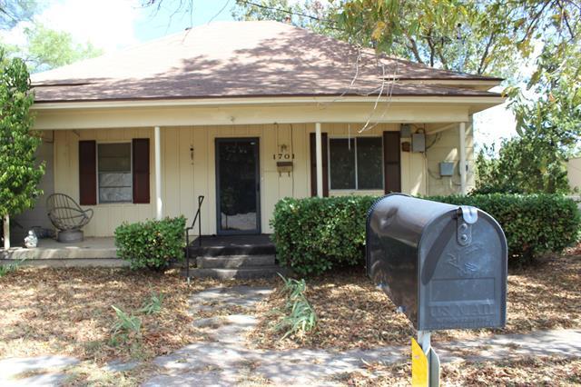 1701 S Commercial Avenue, Coleman, TX 76834