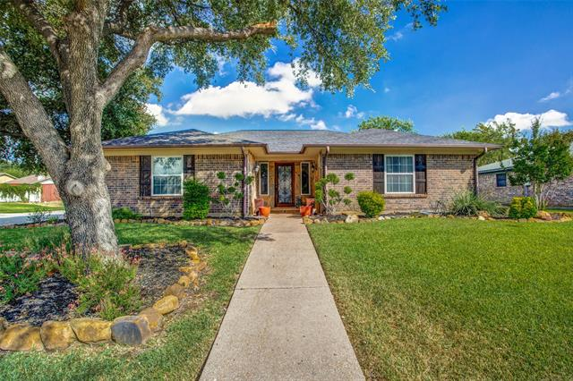 1401 Fieldstone Court E, Bedford in Tarrant County, TX 76022 Home for Sale