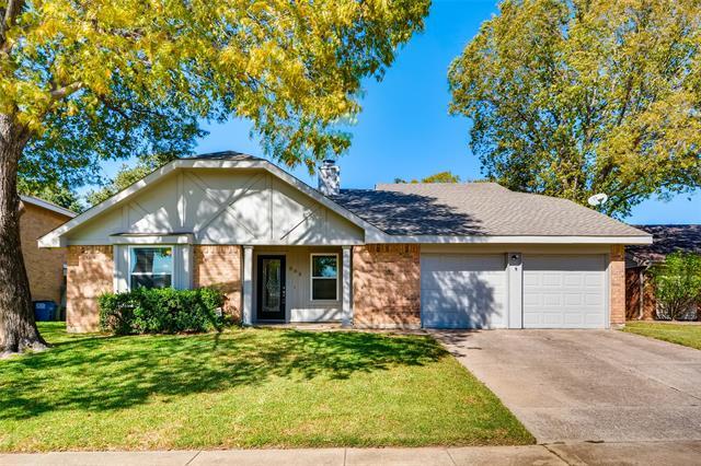 303 Lark Lane, Euless in Tarrant County, TX 76039 Home for Sale