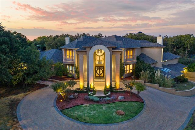 8433 Meadowbrook Drive, Fort Worth Alliance, Texas