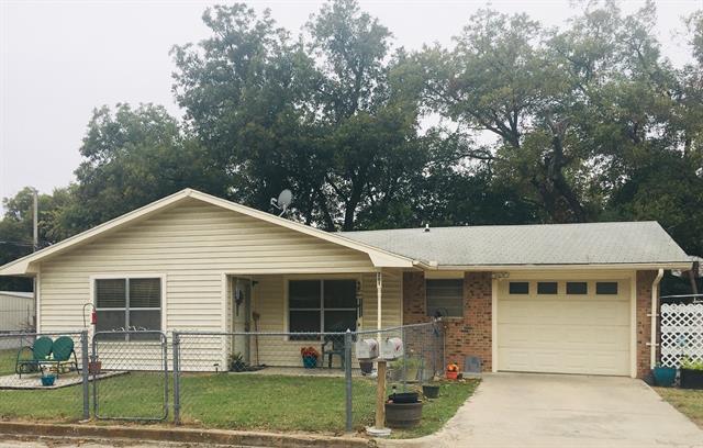201 N Clark Street, Comanche, TX 76442