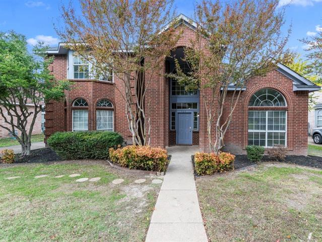 925 Twin Creek Drive 75115 - One of De Soto Homes for Sale