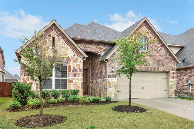 1521 Cypress Garden Lane, Garland, Texas