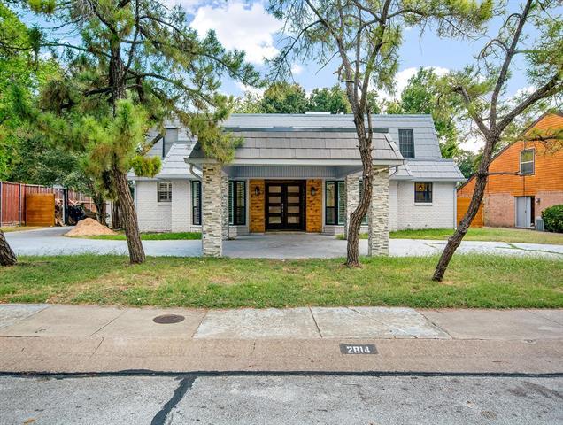 2814 S Surrey Drive, Carrollton, Texas