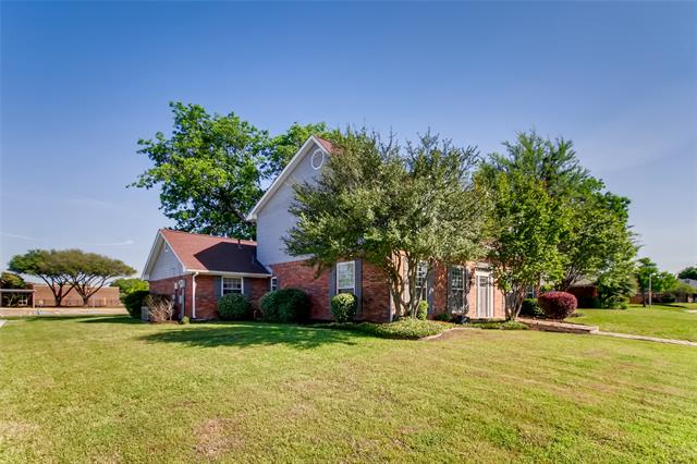 1425 Waterford Place, Garland, Texas