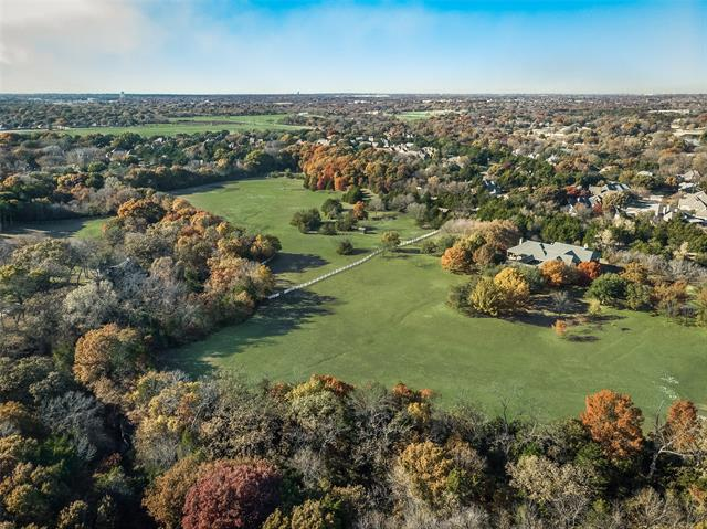 1050 W Wintergreen Road, one of homes for sale in De Soto