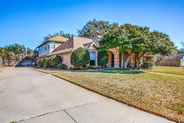 2703 Ridge Top Lane, Arlington North, Texas