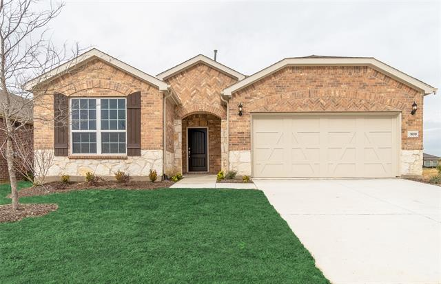 909 Memorial Drive, Aubrey, Texas
