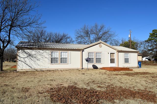 108 Apple Street, Cross Plains, TX 76443