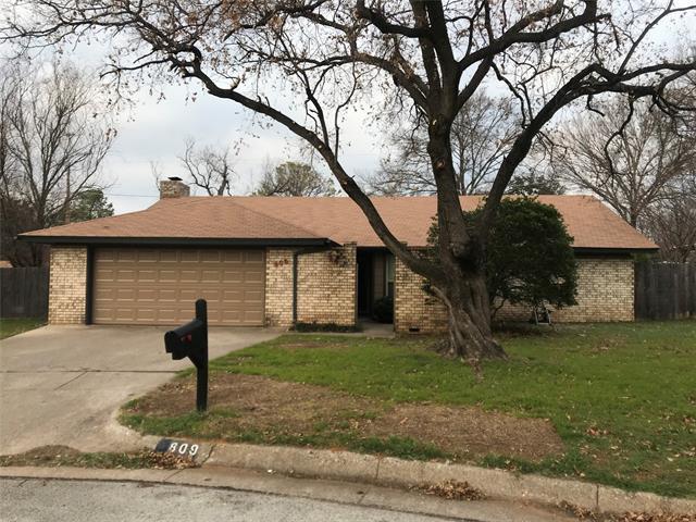 809 Matthews, Arlington North in Tarrant County, TX 76012 Home for Sale