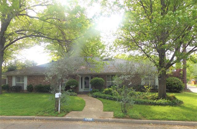 1708 Paisley Drive, Arlington Central, Texas