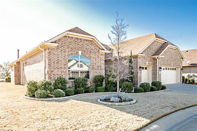 11501 Parkcrest Drive, Denton, Texas