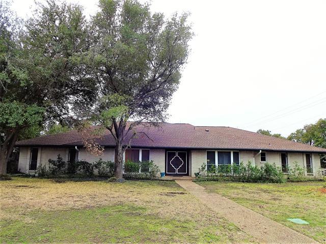 6910 Midcrest Drive, Addison, Texas