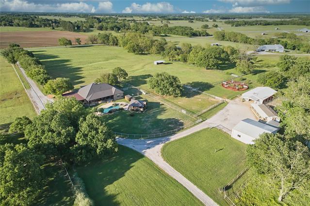 8106 Mcnatt Road, Aubrey, Texas