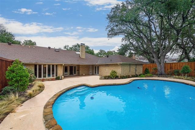 7130 Mossvine Drive, one of homes for sale in Addison