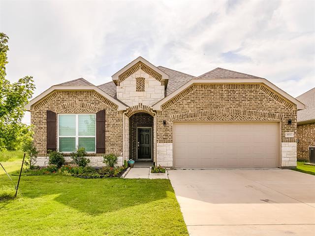 4933 Meadow Falls Drive, Fort Worth Far North, Texas