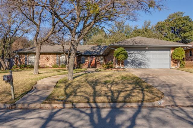 2312 Brookside Drive, Arlington North, Texas