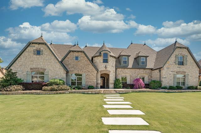 1605 Buckingham Drive, Keller, Texas