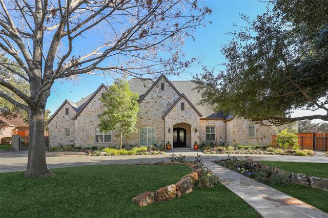 6540 Crestpoint Drive, Addison, Texas