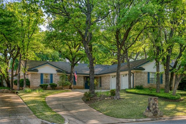 4700 Valleycrest Drive, Arlington Central, Texas