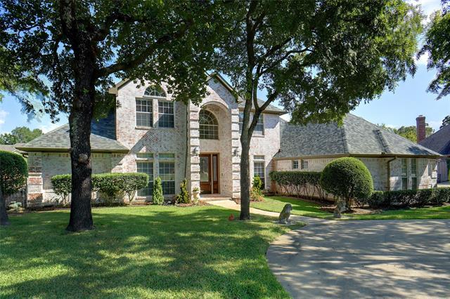 2316 Hollyhill Lane, Denton, Texas