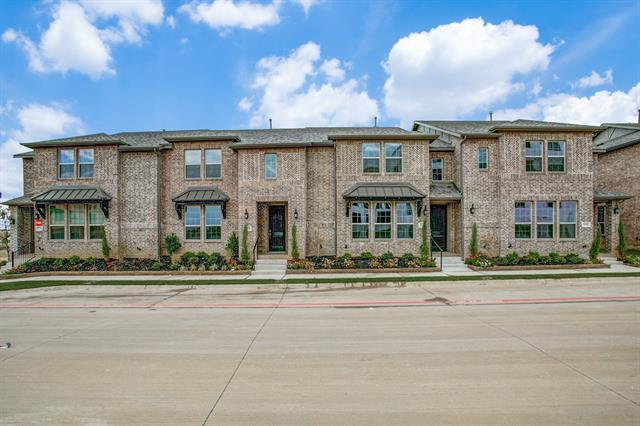 815 Ponds Edge Lane, Euless, Texas
