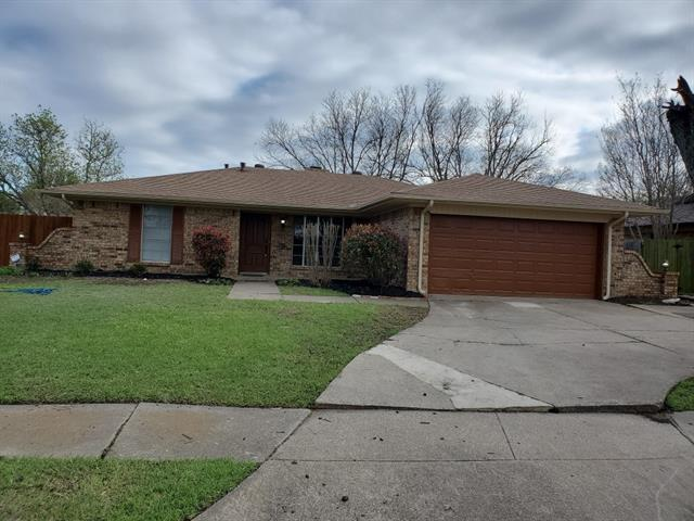 One of Arlington Central 3 Bedroom Homes for Sale at 2014 E Timberview Lane