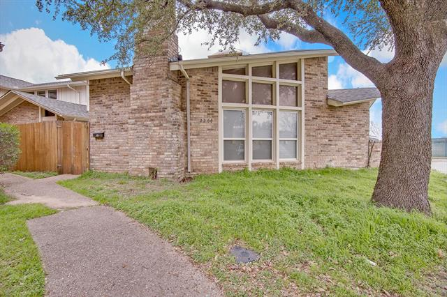 2200 Seville Court, Arlington Central, Texas