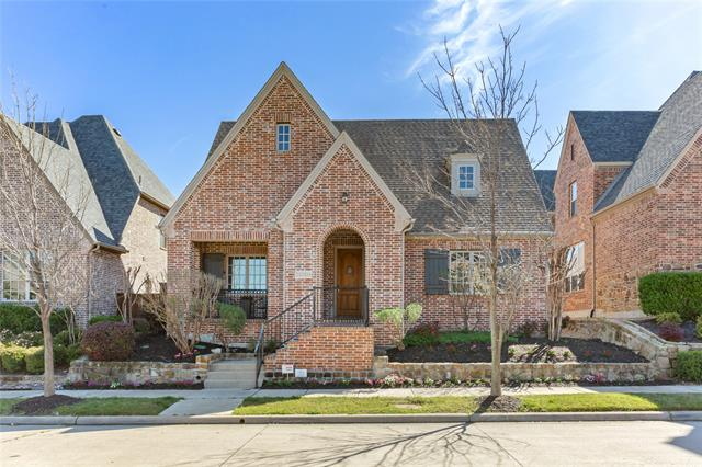 5004 Dickens Lane, Carrollton, Texas