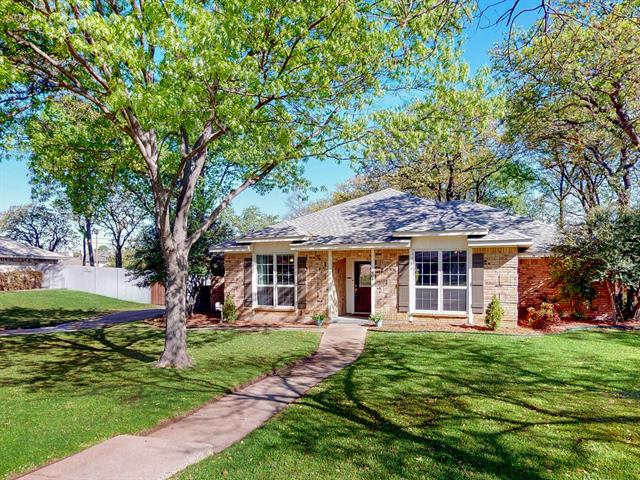 404 Briarcliff Court, Colleyville, Texas