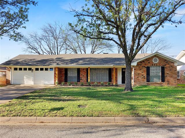 2205 Briarwood Boulevard, Arlington Central, Texas