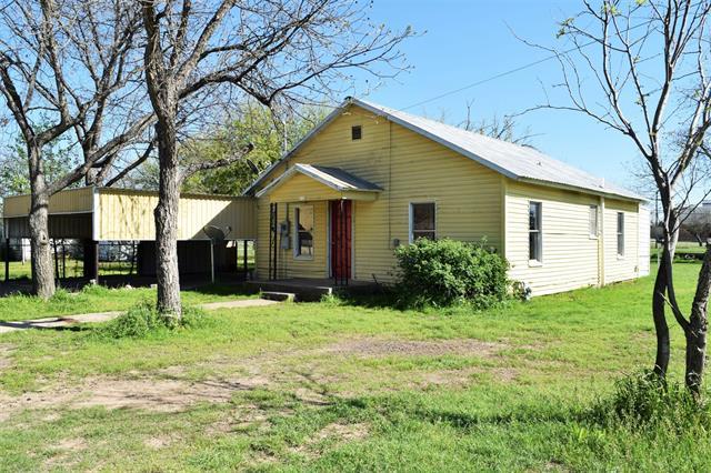 213 W 14th Street, Coleman, TX 76834