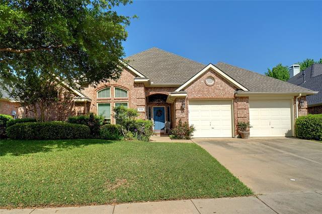 2105 Oakcrest Court, Corinth, Texas