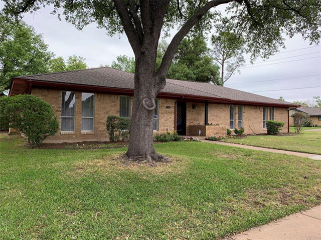 3301 Country Club Road, Arlington Central, Texas