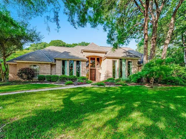 1034 Trail Ridge Court, Hidden Lakes, Texas