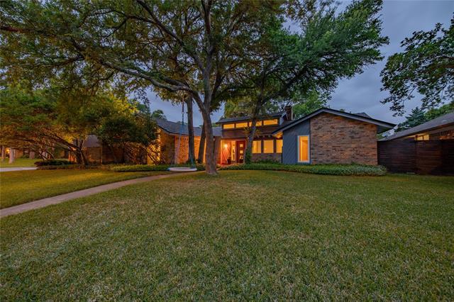 2200 Rockbrook Court, Arlington North, Texas