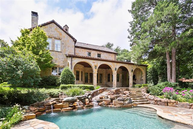 7320 Trianon Court, one of homes for sale in Colleyville