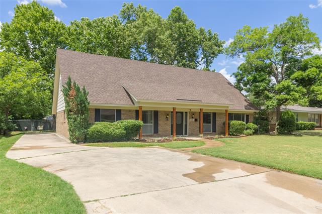 1205 Brittany Lane, Arlington Central, Texas